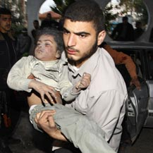 child_injured_in_gaza_bombing_reuters.jpg
