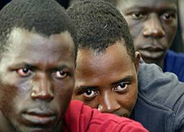inmigrantes-patera.jpeg