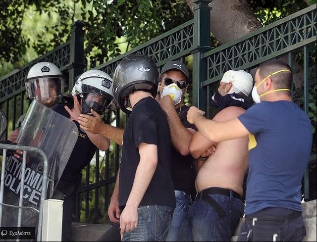 La lucha de Grecia contra el saqueo en unas imágenes de impacto  Sdg